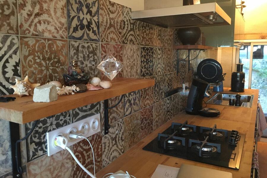 realisation credence cuisine mallemort
